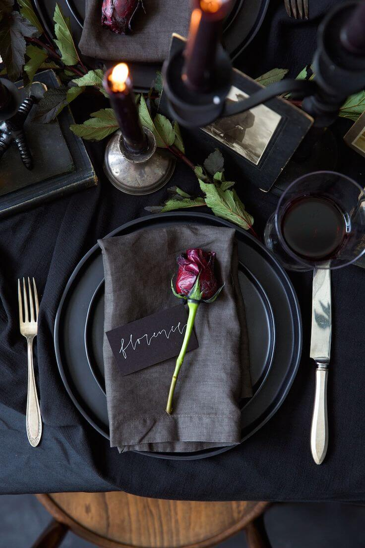 Wicked And Beautiful, Thatu0027s Precisely What Describes This Table Decoration  Best. Just A Single Element, A Red Rose Is Making The Entire Setting Lovely  And ...