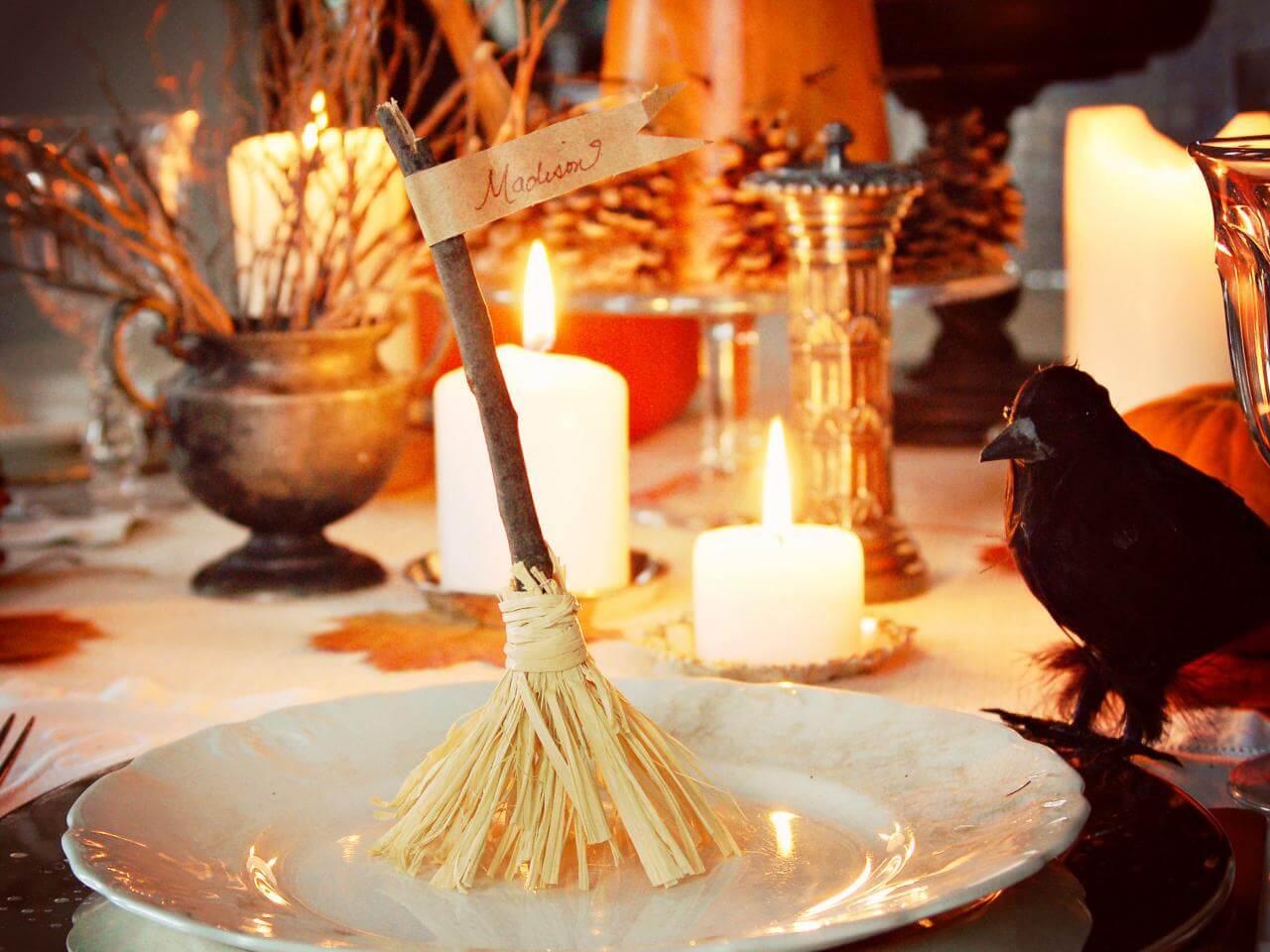 Spooky Halloween Table Decoration Ideas 12