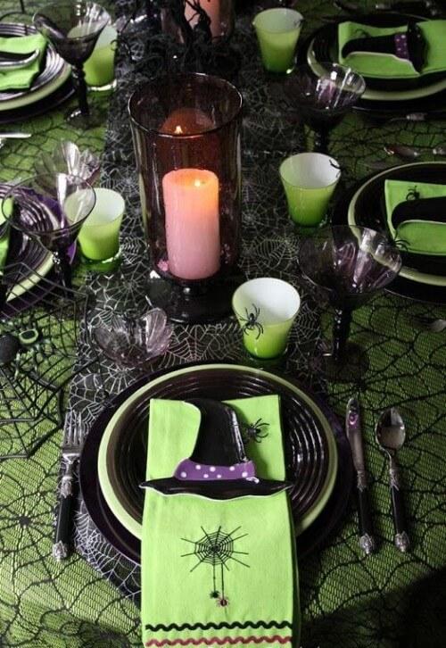 Spooky Halloween Table Decoration Ideas 15