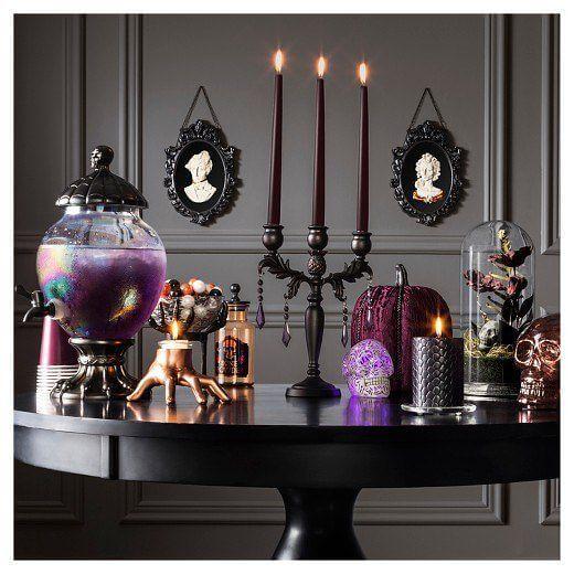 Spooky Halloween Table Decoration Ideas 23