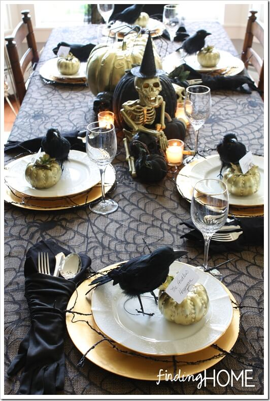 Spooky Halloween Table Decoration Ideas 28