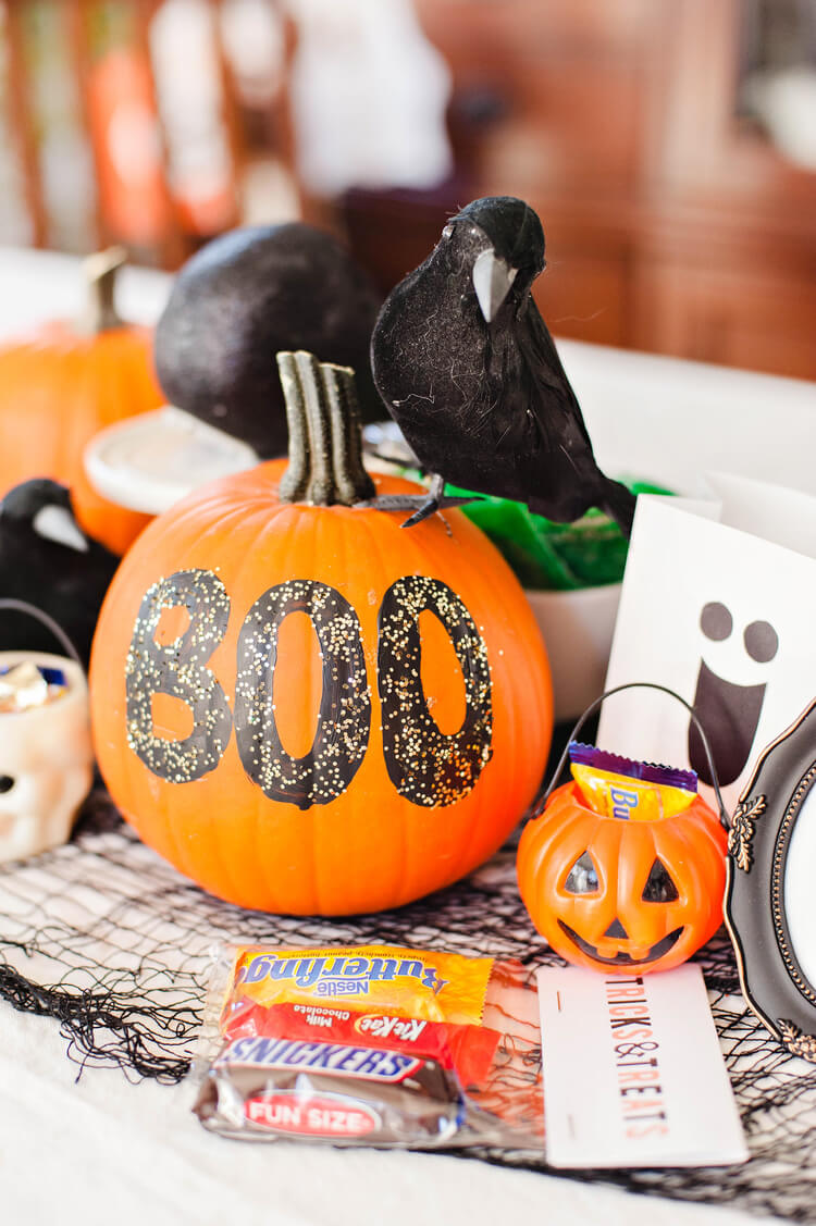 Spooky Halloween Table Decoration Ideas 3