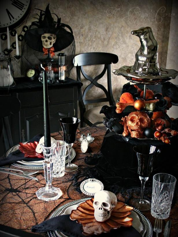 Spooky Halloween Table Decoration Ideas 6