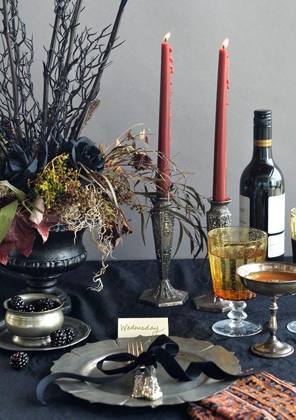 Spooky Halloween Table Decoration Ideas 8