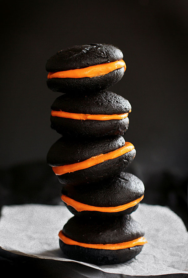 whoopie-pies-stacked-1