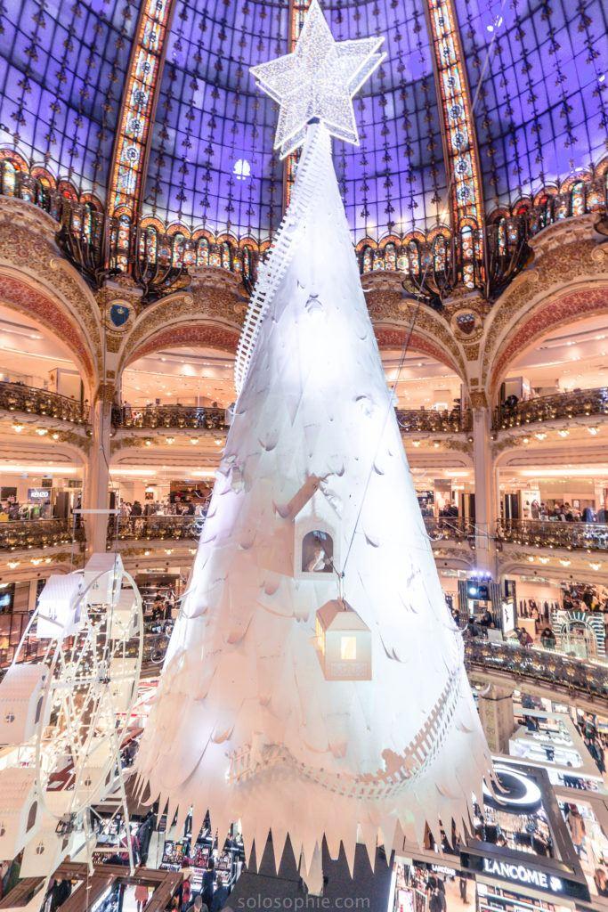 galeries_lafayette_christmas_tree_2016-683×1024