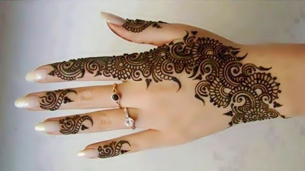 Trendy-Henna-Arabic-Designs-for-Girls